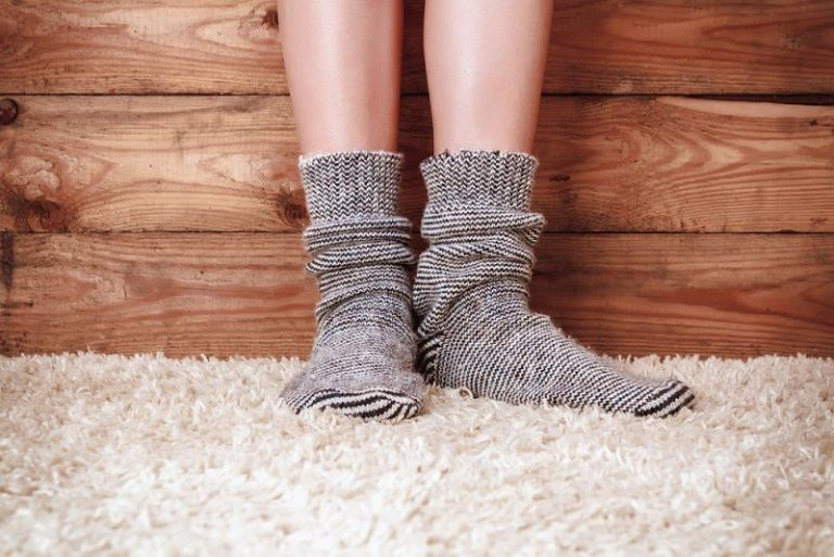 difference between carpet and hardwood flooring